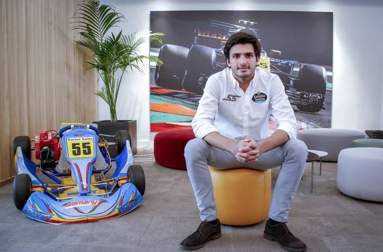 Autocasión MID Car vehículos segunda mano Madrid, Torrejón de Ardoz, Entrevista a Carlos Sainz