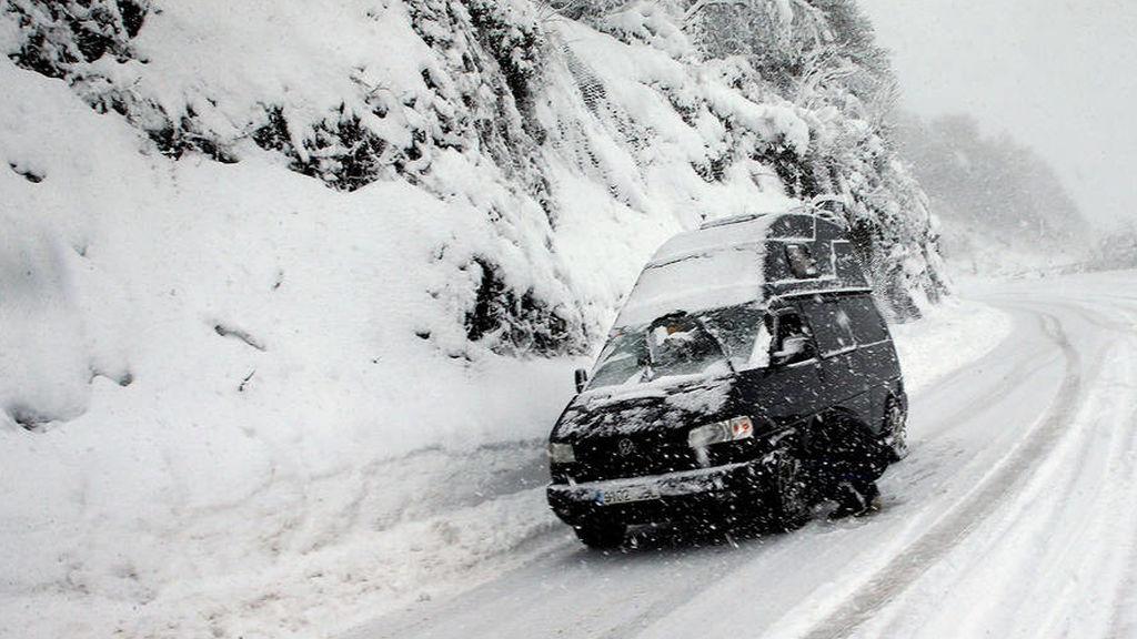 Autocasión MID Car vehículos segunda mano Madrid, Torrejón de Ardoz, tienes el parabrisas congelado              aquí te explicamos como quitar el hielo de tu coche