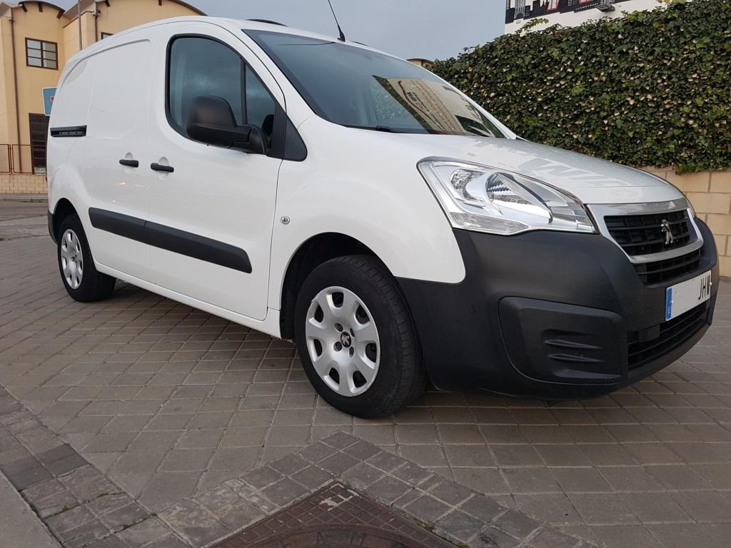 Autocasión MID Car vehículos segunda mano Madrid, Torrejón de Ardoz, Peugeot Partner 1.6Hdi 90Cv al mejor precio