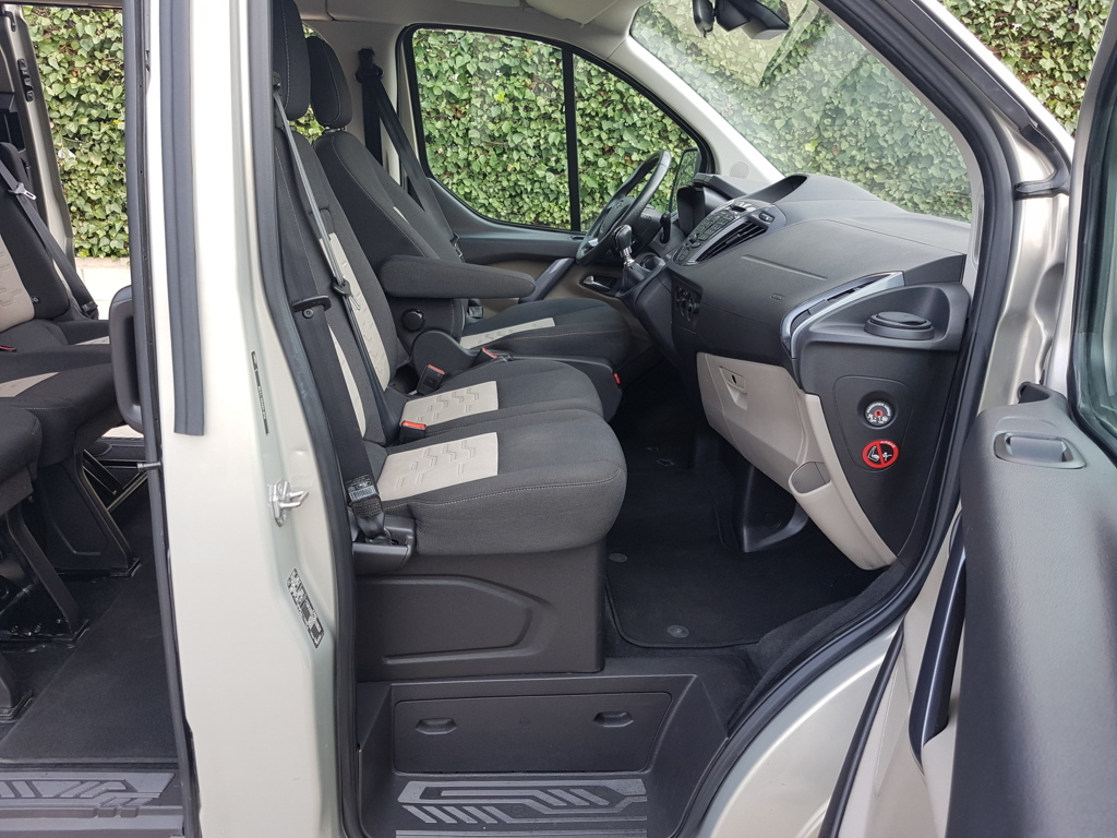 Autocasión MID Car vehículos segunda mano Madrid, Torrejón de Ardoz, Ford Tourneo Custom 2.2Tdci Titanium al mejor precio