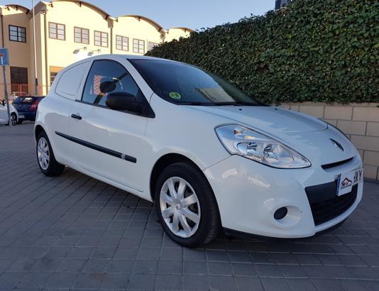 Autocasión MID Car vehículos segunda mano Madrid, Torrejón de Ardoz - Renault Clio 1.5dci Societe al mejor precio