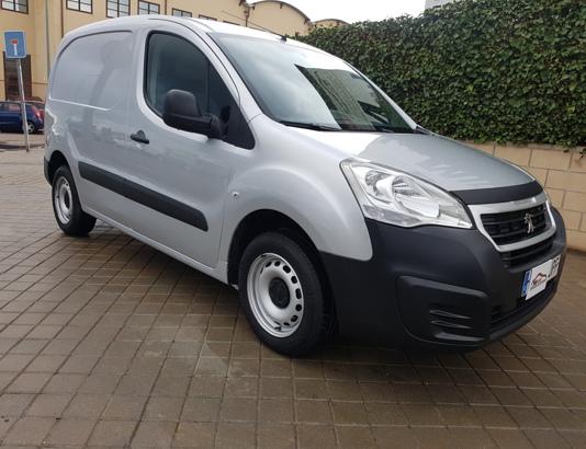 Autocasión MID Car vehículos segunda mano Madrid, Torrejón de Ardoz - Peugeot Partner Furgon Confort L1 Gasolina 98 al mejor precio