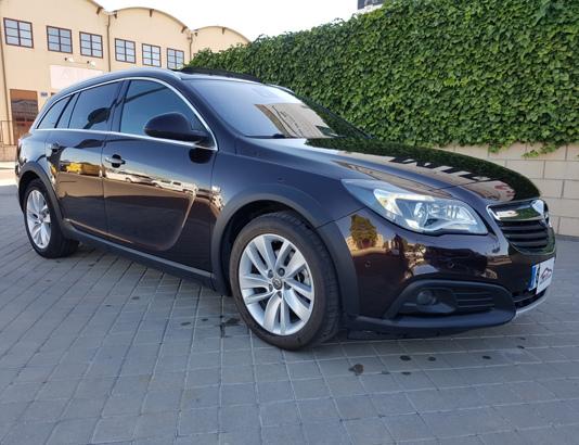 Autocasión MID Car vehículos segunda mano Madrid, Torrejón de Ardoz - Opel Insignia Country Tourer 2.0CDTI S&S 4x4 170, Opc-Line al mejor precio