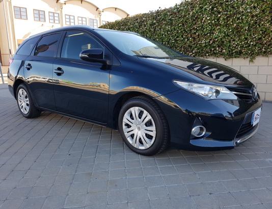 Autocasión MID Car vehículos segunda mano Madrid, Torrejón de Ardoz - Toyota Auris Touring Sport 2.0D 120Cv al mejor precio