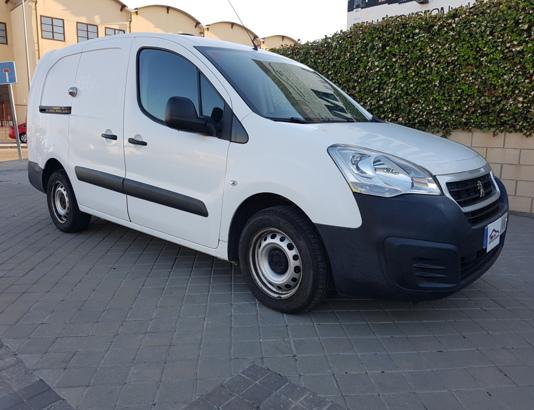Autocasión MID Car vehículos segunda mano Madrid, Torrejón de Ardoz - Peugeot Partner 1.6Hdi L2 90Cv al mejor precio