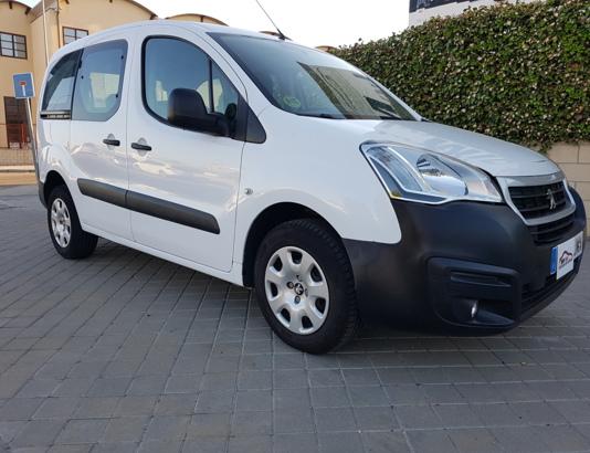 Autocasión MID Car vehículos segunda mano Madrid, Torrejón de Ardoz - Peugeot Partner 1.6Hdi Combi 92Cv al mejor precio